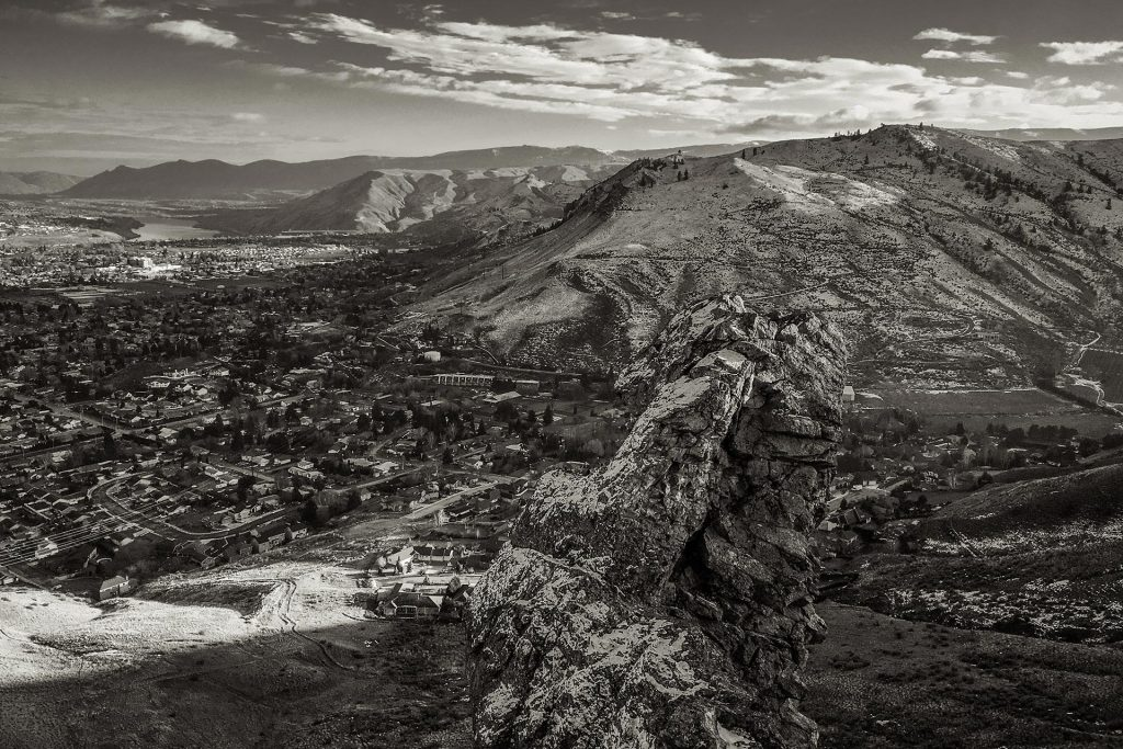Wenatchee in the winter from the top of Castle Rock